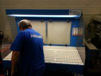 Table-aspirante-aluminium-avec-opérateur