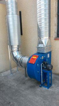 Ventilateur centrifuge bleu atex pour aspiration de fumée de plastique issue de presse à injecter / extrudeuse