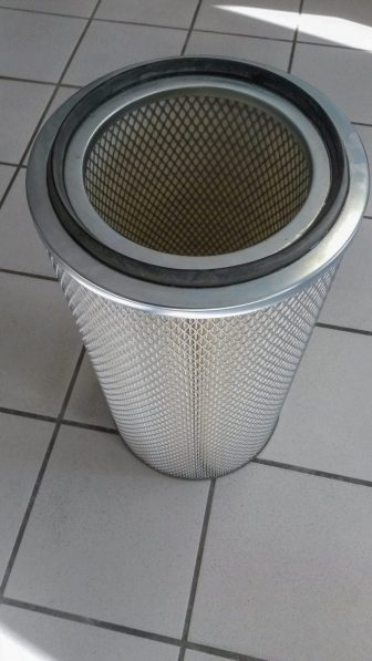 Filtre cartouche cellulose avec métal déployé et joint.
