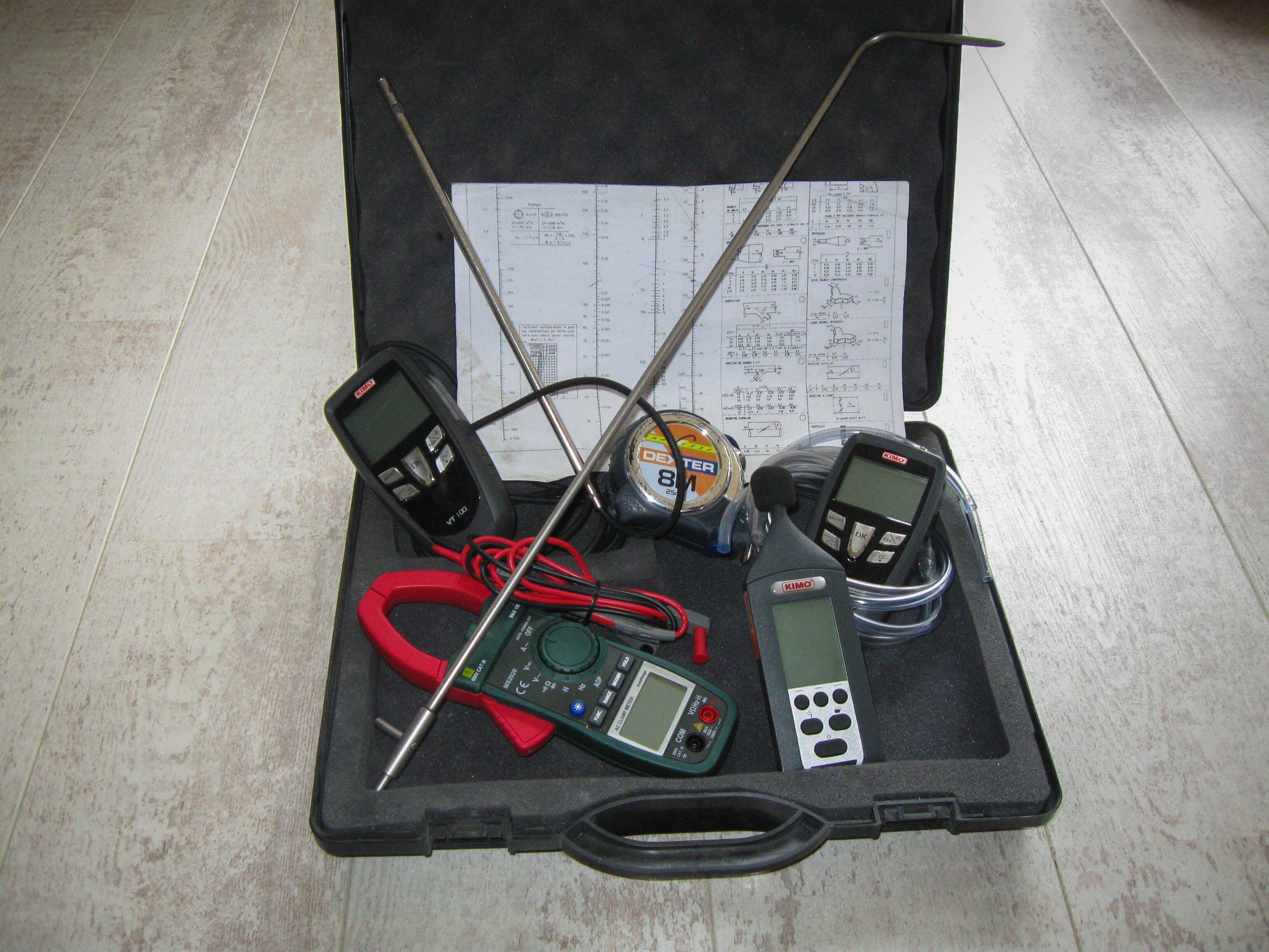 Outils pour audits, contrôle d'installations d'aspiration et ventilation avec anémomètre, sonomètre, pressostat, sonde Pitot.