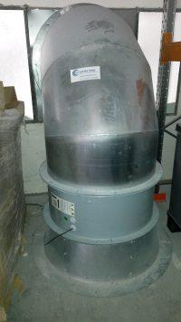 Ventilateur hélicoïde raccordé à une gaine spiralée galvanisée pour aspiration de fumée