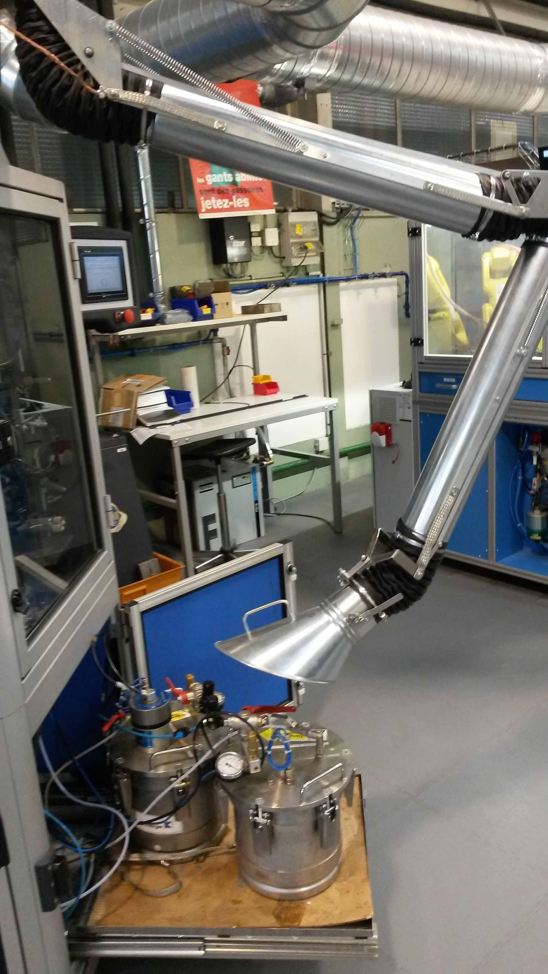 Aspiration de vapeur COV avec bras aspirant et ventilateur ATEX.