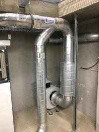 Ventilateur avec manchettes souples pour ventilation espace confiné. Réseau gaine en acier galvanisé spiralée.